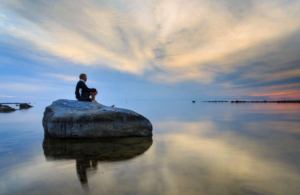 Merenkurkussa voit istahtaa kivelle ja hengittää.
