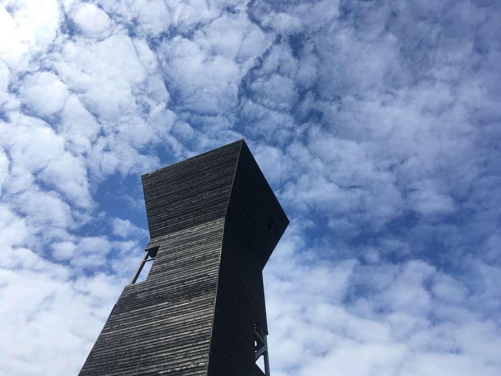 Saltkaretin näkötornista paljastuvat upeat maailmanperintömaisemat.