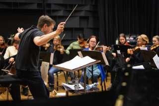 James ja orkesteri