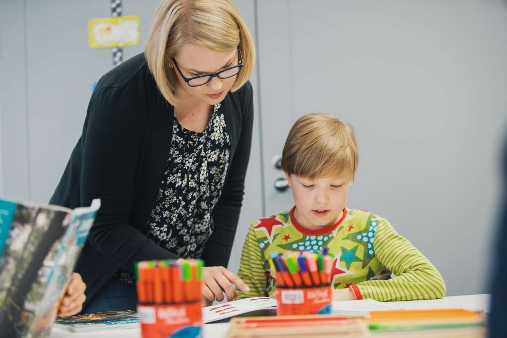 lärare och barn