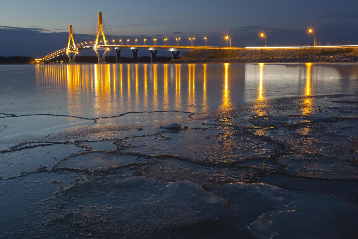 Replot bridge is the longest bridge in Finland.