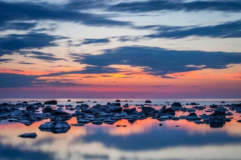Taivaanranta ja kivikko