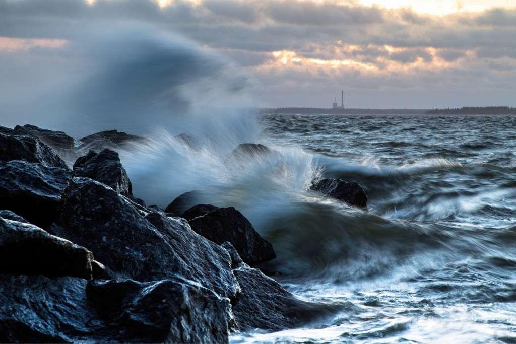 Tyrskyävä meri
