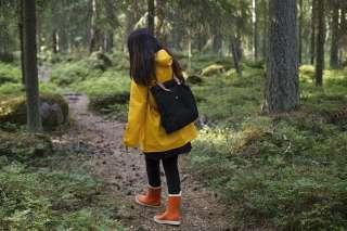 nainen metsäsää