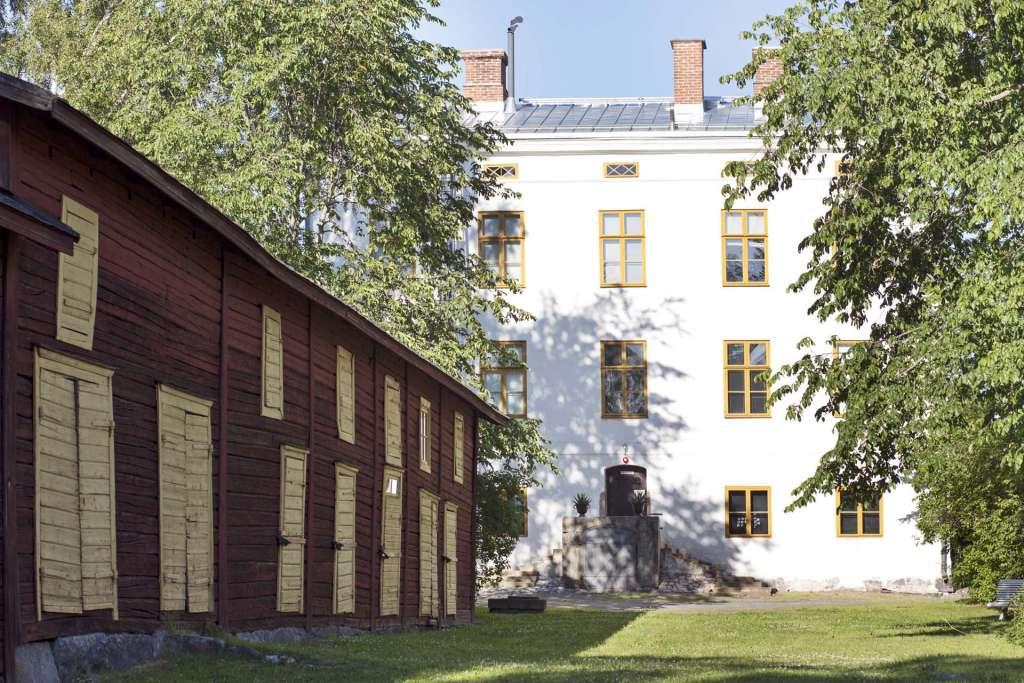 Vanhan Vaasan museo kuvattuna takapihalta