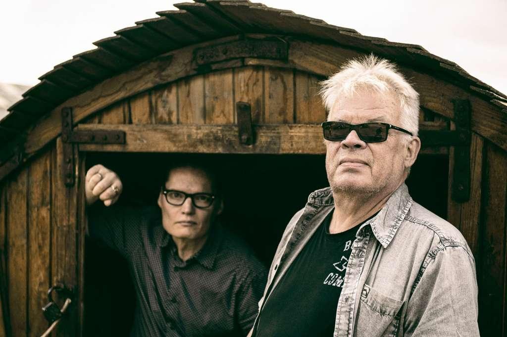 På bilden Dr. Helander och Mika Railo, fotograf Pasi Rytkönen