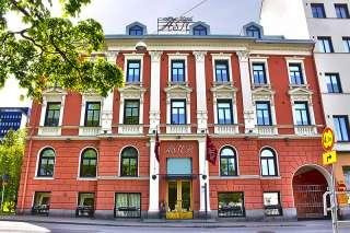 Hotel Astor Vaasan keskustassa