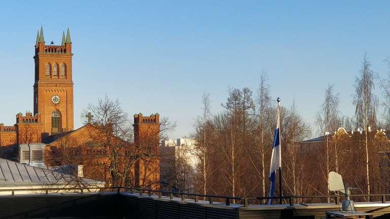 Kyrkan och Finska flaggan