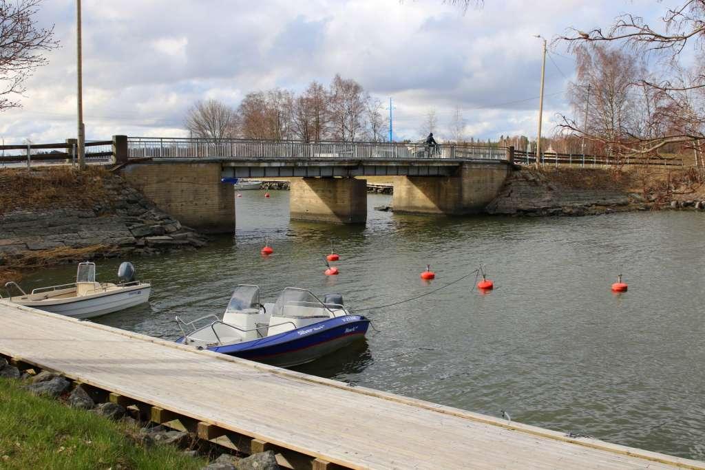 Mansikkasaaren silta