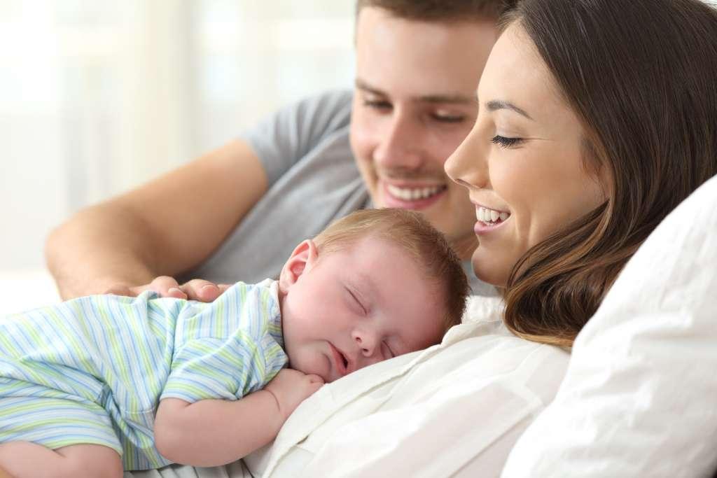 Isä. äiti ja vauva