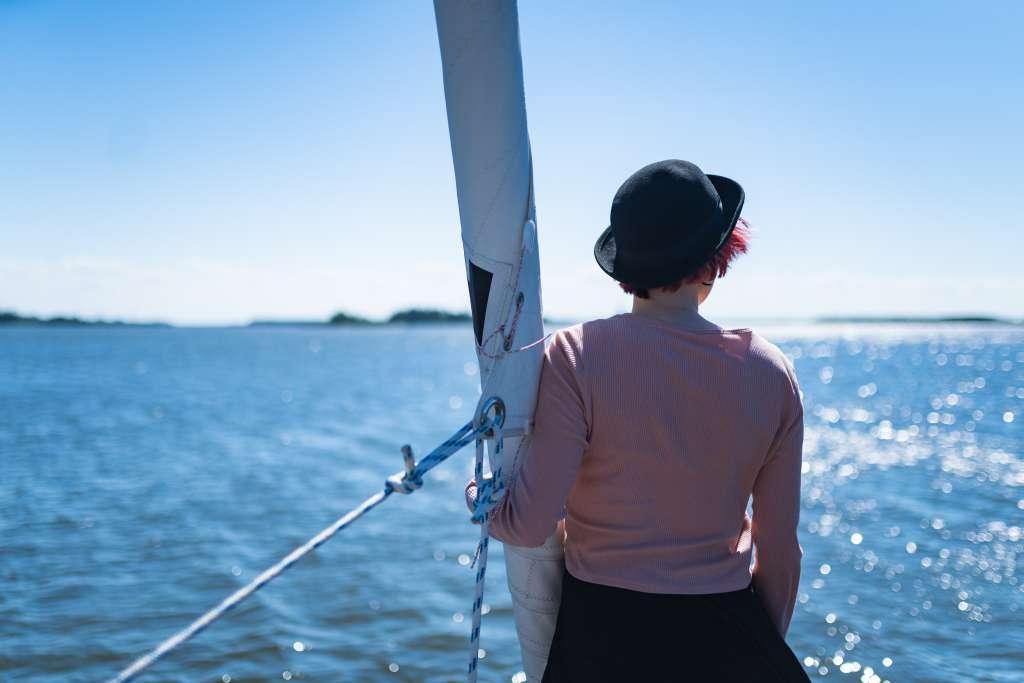 en kvinna i båten