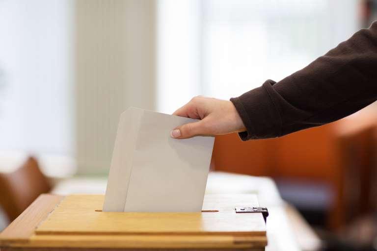 vaaliuurna